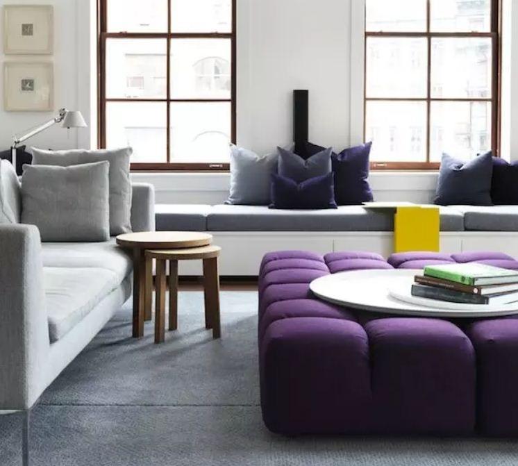 Жемчужно - серый оттеняет и подчеркивает яркость фиолетового цвета