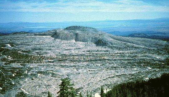 Стеклянная гора вулкана Лечебного озера в Калифорнии