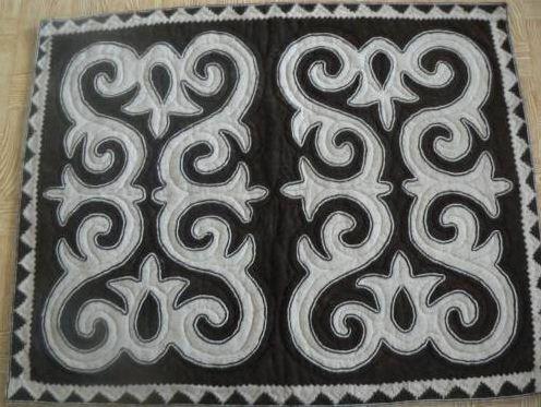 Казахский войлочный ковер сырмак