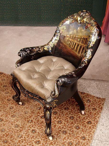 Кресло из папье - маше, инкрустированной перламутром