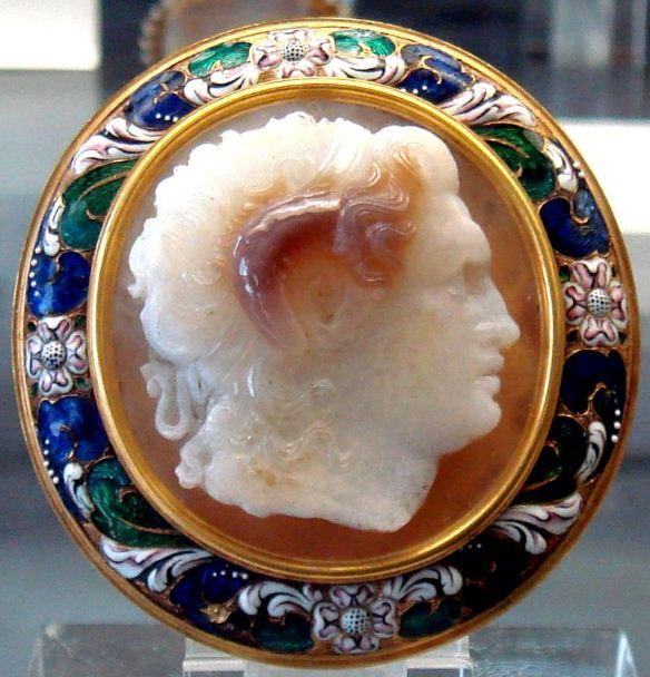 Камея с портретным изображением Александра Македонского