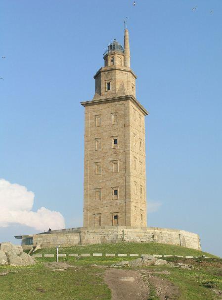 Башня Геркулеса в Ла - Корунье ( Испания)