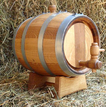 Бочка для хранения вина