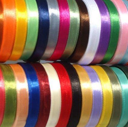 Неокрашенные ленты можно окрасить в разные цвета радуги