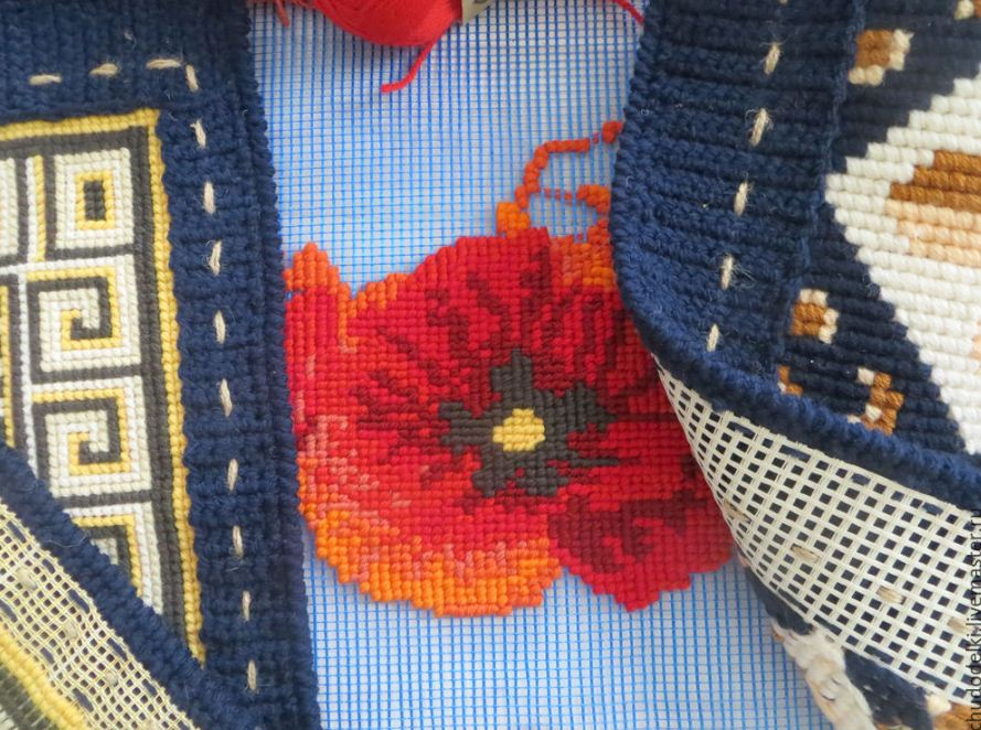 Строительная сетка успешно используется вместо канвы для создания вышивки