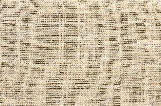 Мешковина подходит для выполнения счетных видов вышивки