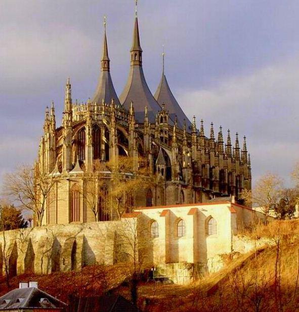 Собор Святой Варвары на Кутной горе