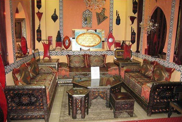 Резная мебель в арабском стиле