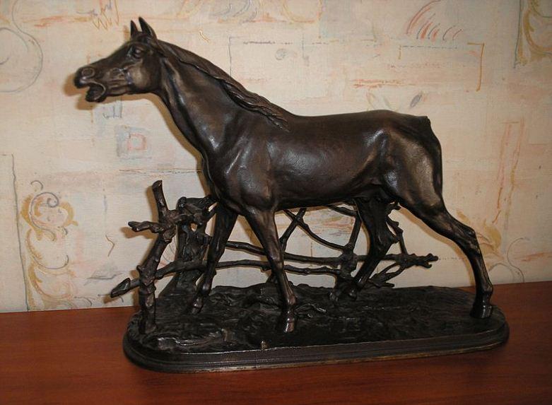 """Скульптура """" Конь в изгороди"""" ( 1860 год)"""