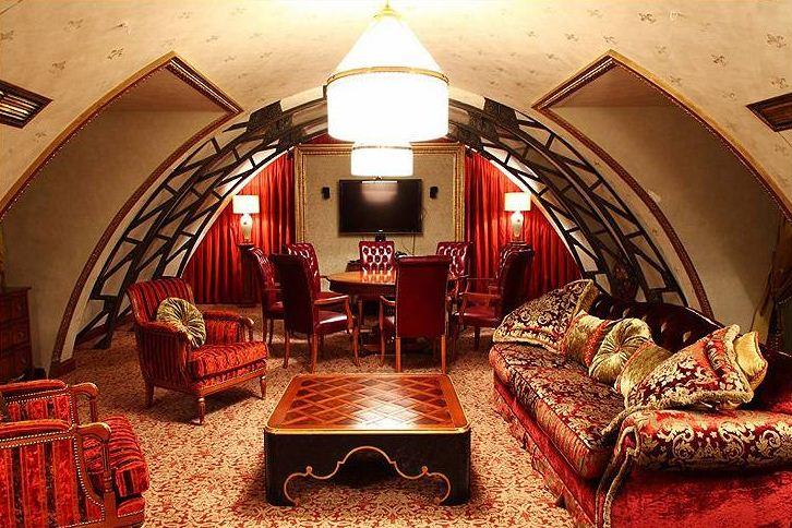 Роскошная обивка мебели в арабском стиле