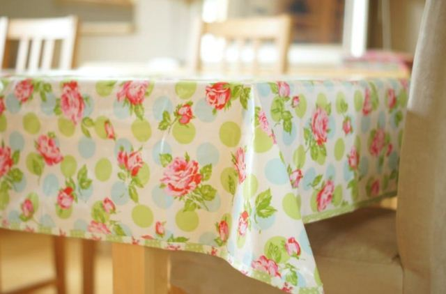 Клеенка на кухонный стол