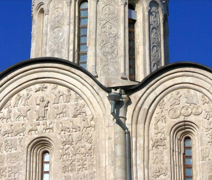 Белокаменная резьба на стенах Дмитриевского собора во Владимире