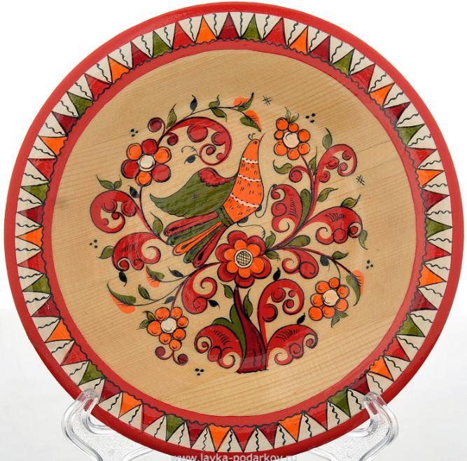 Блюдо, декорированное борецкой росписью