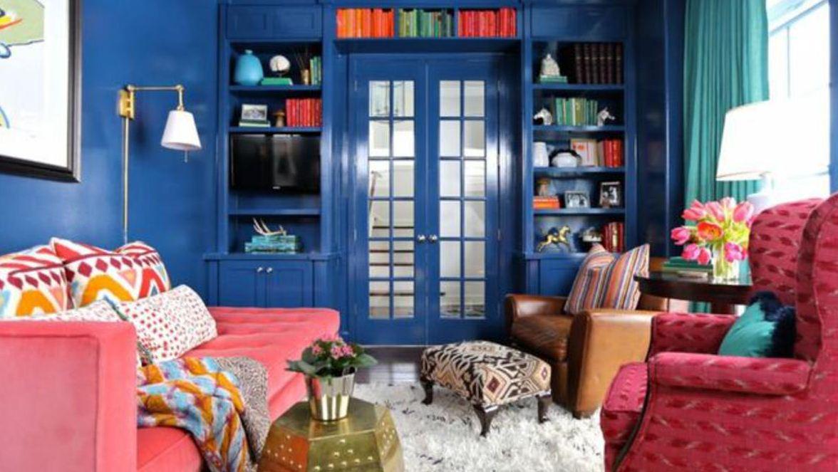 Для обивки мягкой мебели выбирают материал самых ярких и сочных цветов