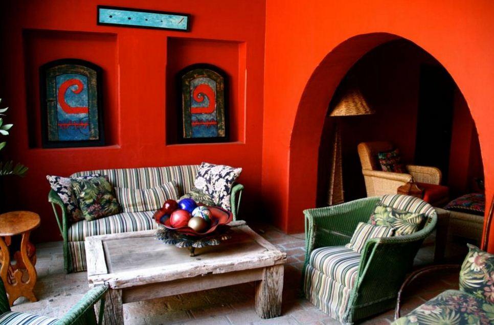 Атмосфера жаркой Мексики в интерьере гостиной