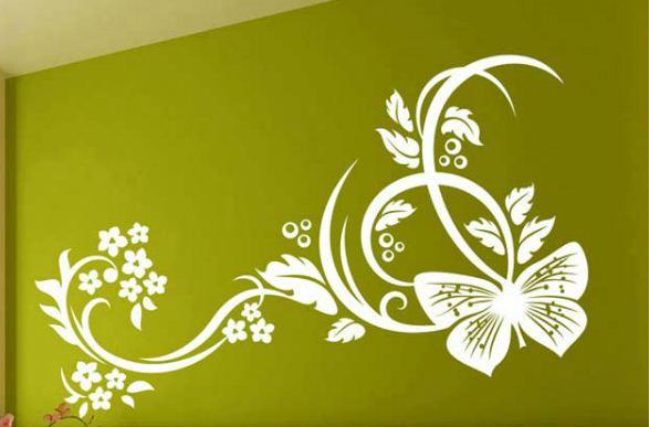 Декор на стене выполнен с помощью трафарета
