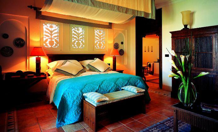 Интерьер спальни в мексиканском стиле