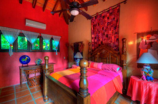 Дизайн деревянной крвоати в мексиканском стиле