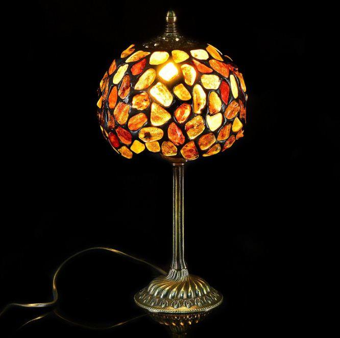 Лампа настольная из янтаря ( бронза)
