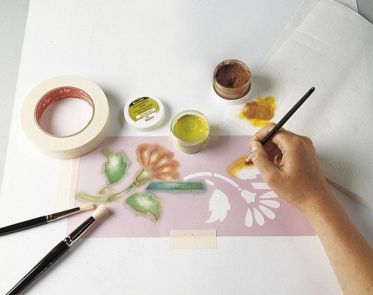 Многоцветный трафарет для декора стен