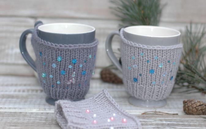 Чашка в вязаной одежке