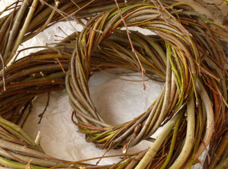 Основа, плетеная из лозы