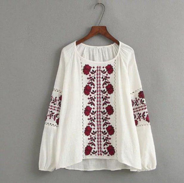 Вышитая блузка в народном стиле