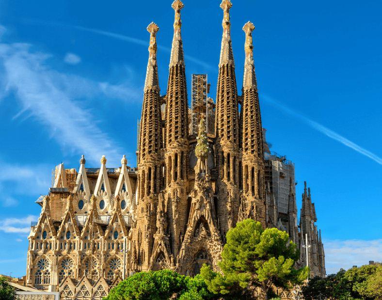 Искупительный храм Святого Семейства в Барселоне