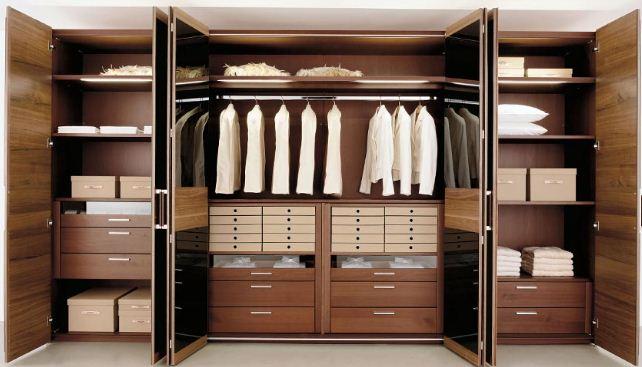 Конструкция встроенных шкафов имеет свои особенности