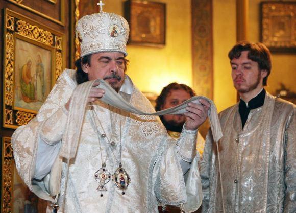 Облачение православного священника белого цвета