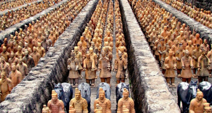 Терракотовая армия из гробницы Цинь Шихуанди, Китай
