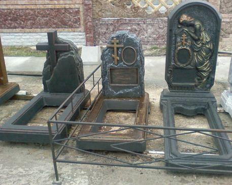 Надгробные памятники из бетона