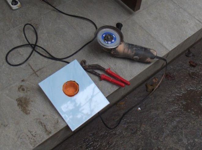 Для работы с керамической плиткой используется алмазный диск