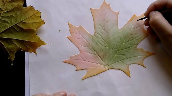 Процесс изготовления кленового листа из фоамирана