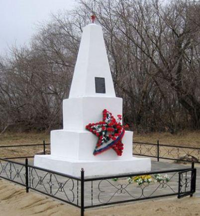Массовые памятники советского периода не представляют особой культурной и исторической ценности
