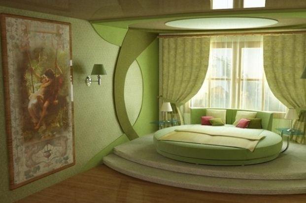 Интерьер спальни в пастельных зеленоватых тонах