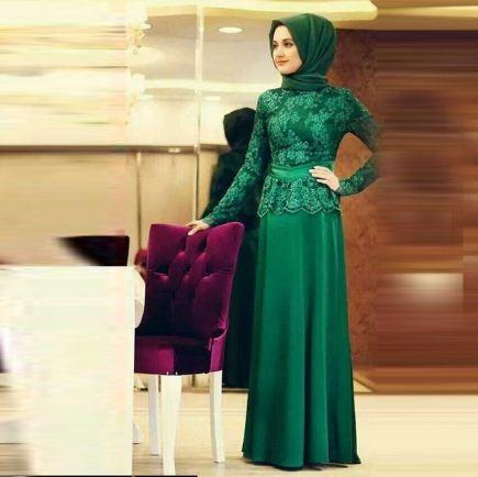 Мусульманское платье любимого зеленого оттенка