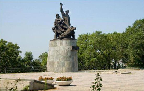 Памятник морякам торгового флота, погибшим во время Великой Отечественной войны ( Владивосток)