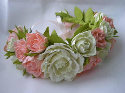 Прекрасные цветы из фоамирана легко сделать своими руками