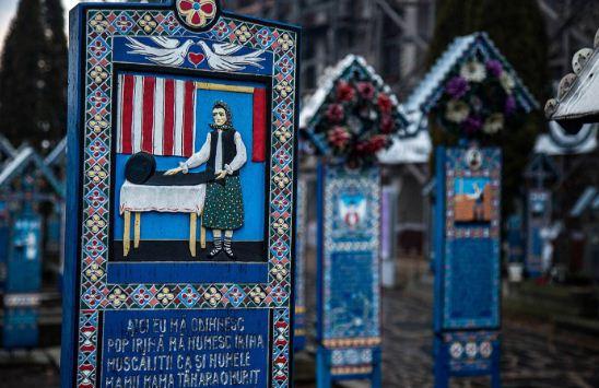 Веселое кладбище в Румынии привлекает туристов
