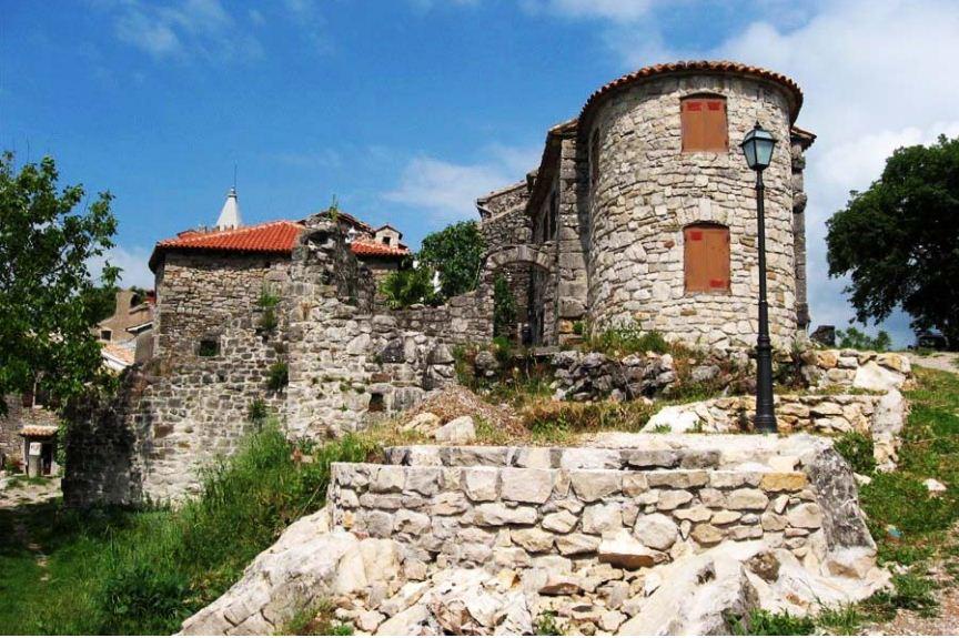 Хумский замок