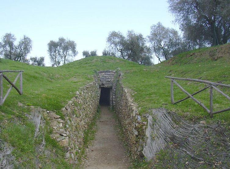 Этрусский тумулус в Ветулонии, Тоскана