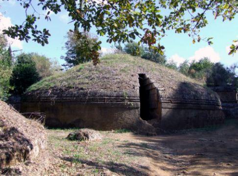 Этрусский тумулус Бандитачча в Черветери