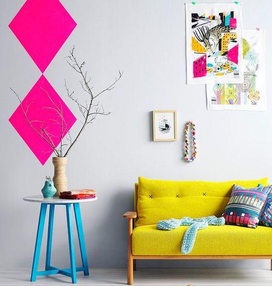 Яркие цвета в деталях прекрасно смотрятся на светлом фоне