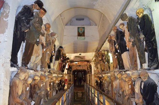 Погребальные катакомбы в Палермо