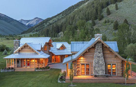 Дом в стилистике ранчо