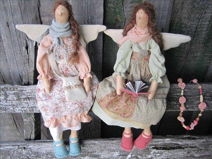 Куклы Тильды имеют неправильные пропорции тела, но это не умаляет их привлекательности
