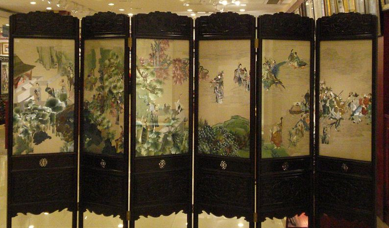 Китайская ширма, украшенная сучжоуской вышивкой
