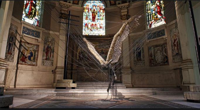 Статуя падшего ангела Люцифера