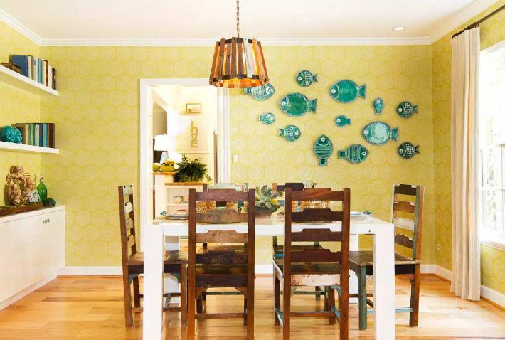 Тарелки в форме рыбок - яркая изюминка дизайна столовой или обеденной зоны